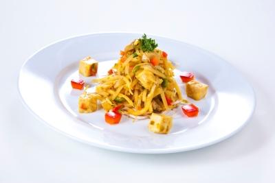Ostasiensalat mit Hühnerfleisch